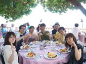 25周年記念行事ハワイ旅行のディナーにて